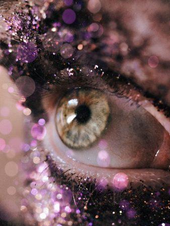 Glittery eye ball